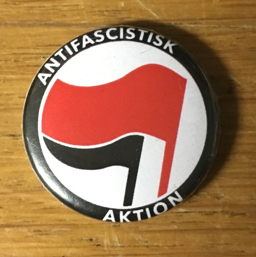 "Antifascistisk Aktion - 1"" pin"