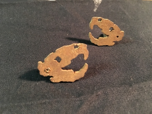 Crutches, rusty ratskull - pin